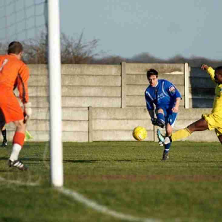 Top two march on but Trawlerboys slip