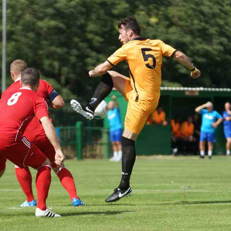 East Thurrock v Hungerford Town August 2016