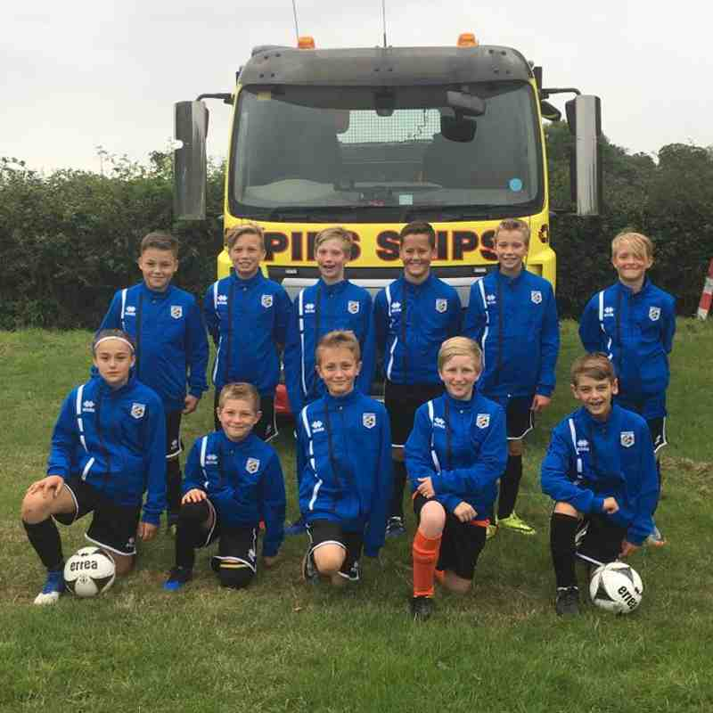 Pips Skips Sponsor the Under 11 Panthers