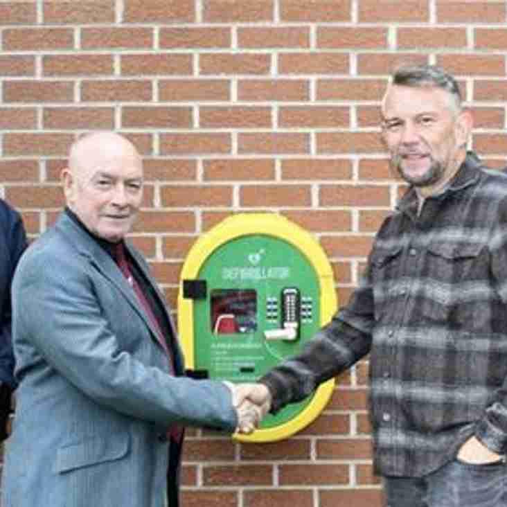 Kinmel Bay receives 24/7 life saving equipment from Sam Standerwick Memorial Fund
