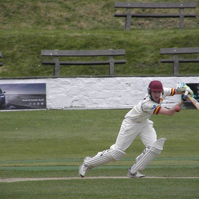2nd XI defeat title rivals to reclaim top spot