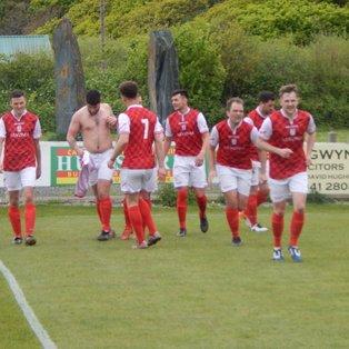 Barmouth & Dyffryn 1-2 Llanrug United
