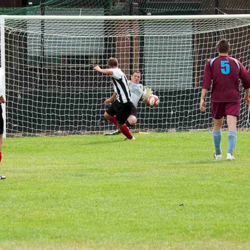 Tilbury FC v Bowers & Pitsea 31/07/10