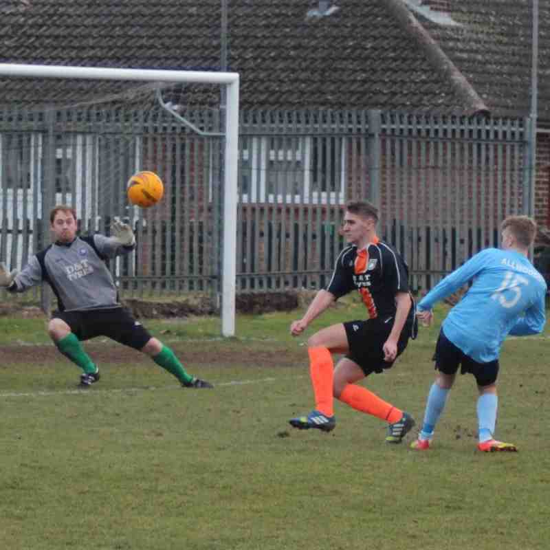 14.02.15 Newark Town v Thoresby Colliery