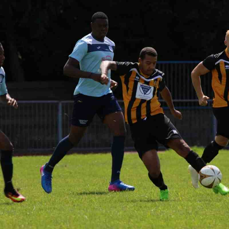 Barkingside v Stowmarket Town - 06/08/2017 - By Phil Lindhurst