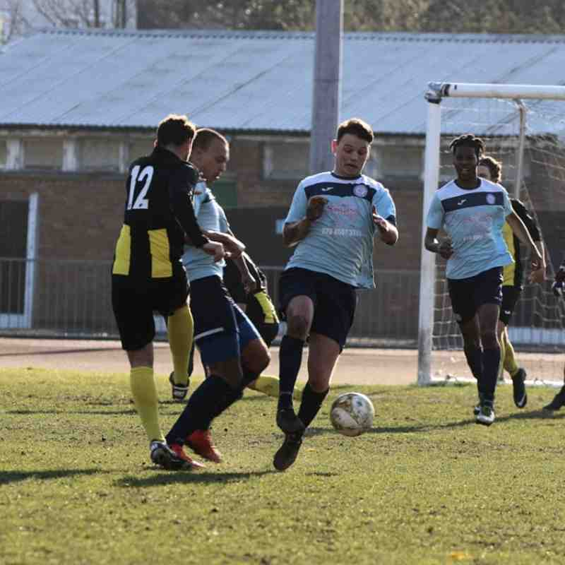 Barkingside v Basildon United - 24/02/2018 - By Phil Lindhurst