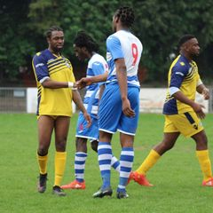 Ilford v Barkingside - 21/04/2018 - By Phil Lindhurst