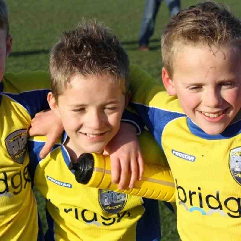 Blues defeat Yellows! Nov 2011