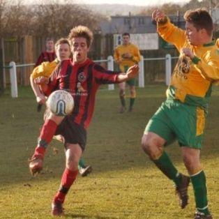 Riversiders cruise to victory
