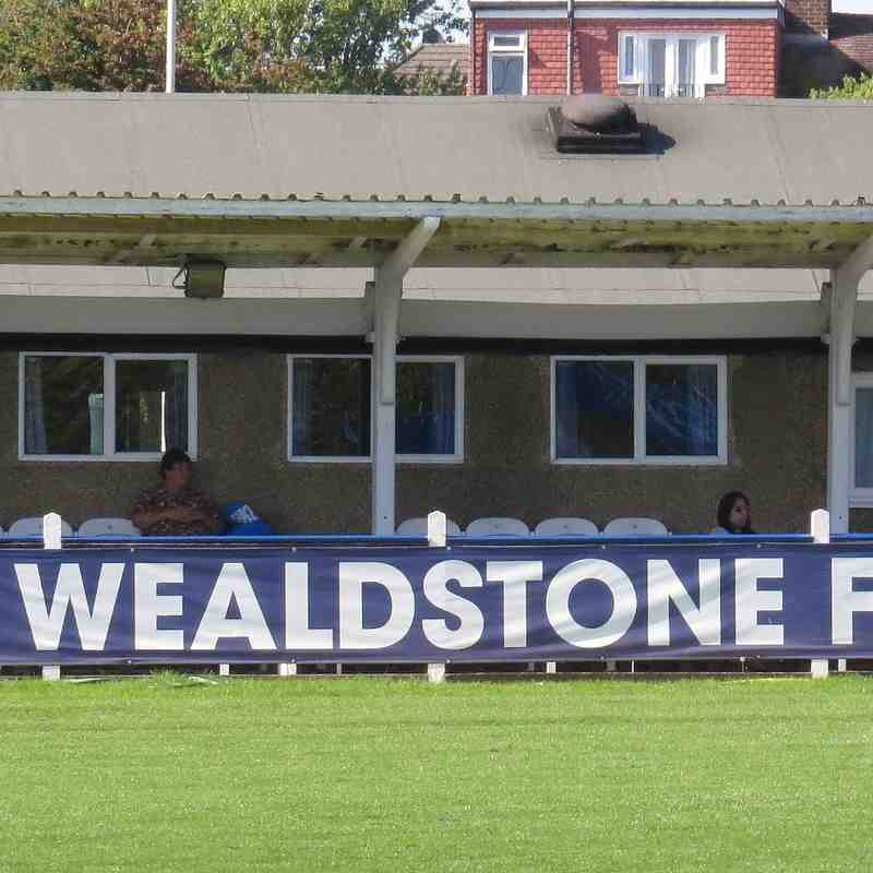 Wealdstone v Banbury United 6th Sep 2015