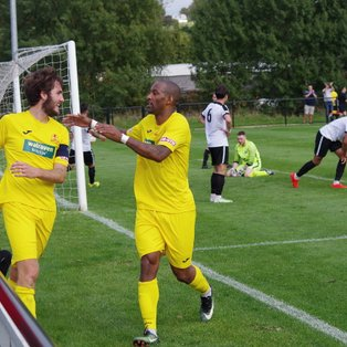 Kings Langley 3 Banbury United 4