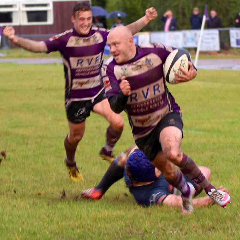 Exmouth 7 Redingensians 7