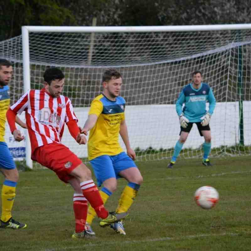 Holywell Town 1-1 Porthmadog (Wednesday 27th April 2016) Pictures courtesy of Steve Jones
