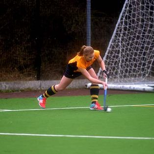 Ladies 1s beat top of the league