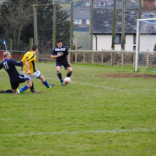 Caersws take 3 points in the Mid Wales Derby