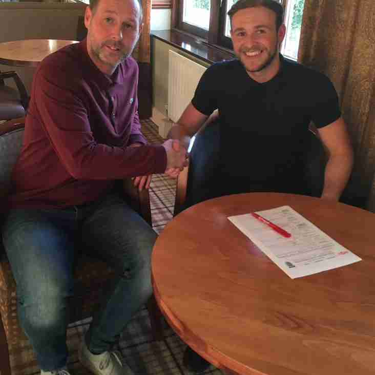 News: Phil Brown Signs Midfield Duo