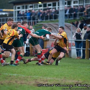 Broadstreet bring Bees' winning run to an end with a deserved 15-7 victory