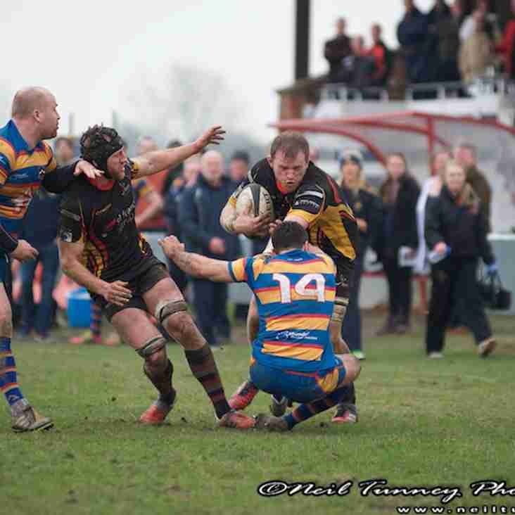 Top plays bottom as Bees look to keep wheels turning