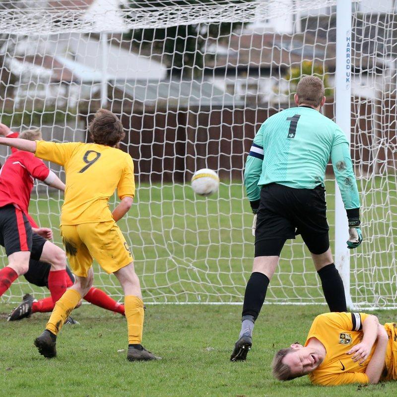 Waveney FC v Long Stratton
