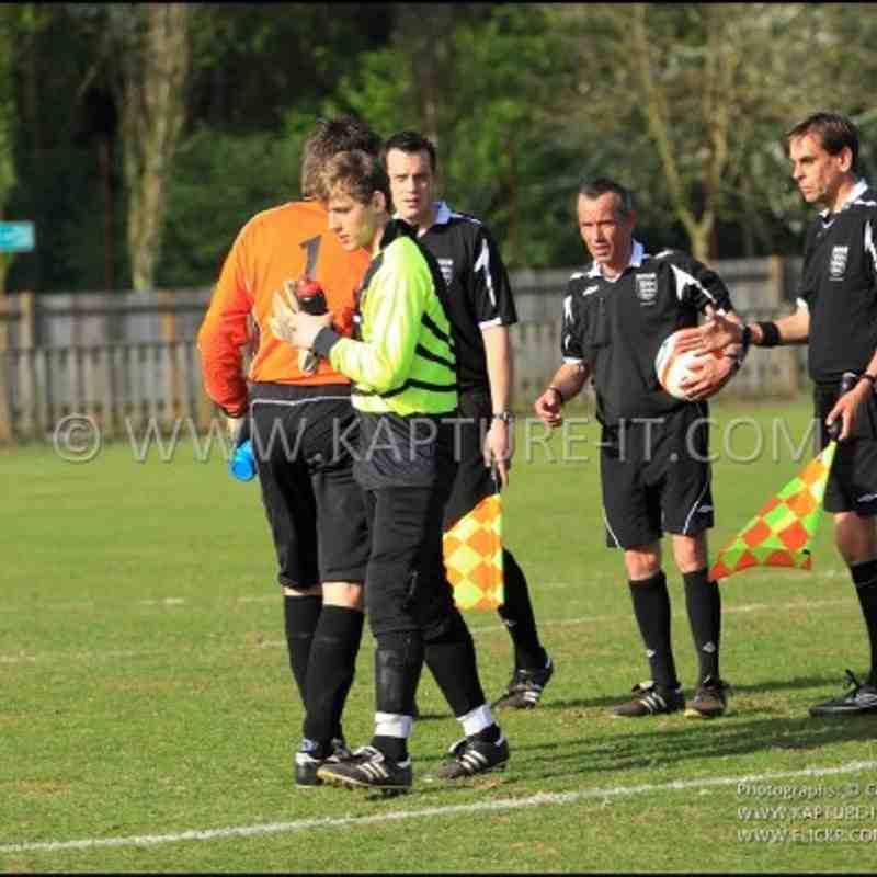 Barton_Rovers_FC 9-4-2011