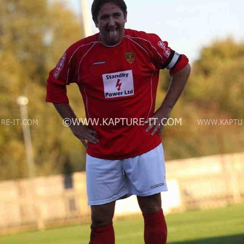 Chertsey_Town_FC 15-Oct-2011