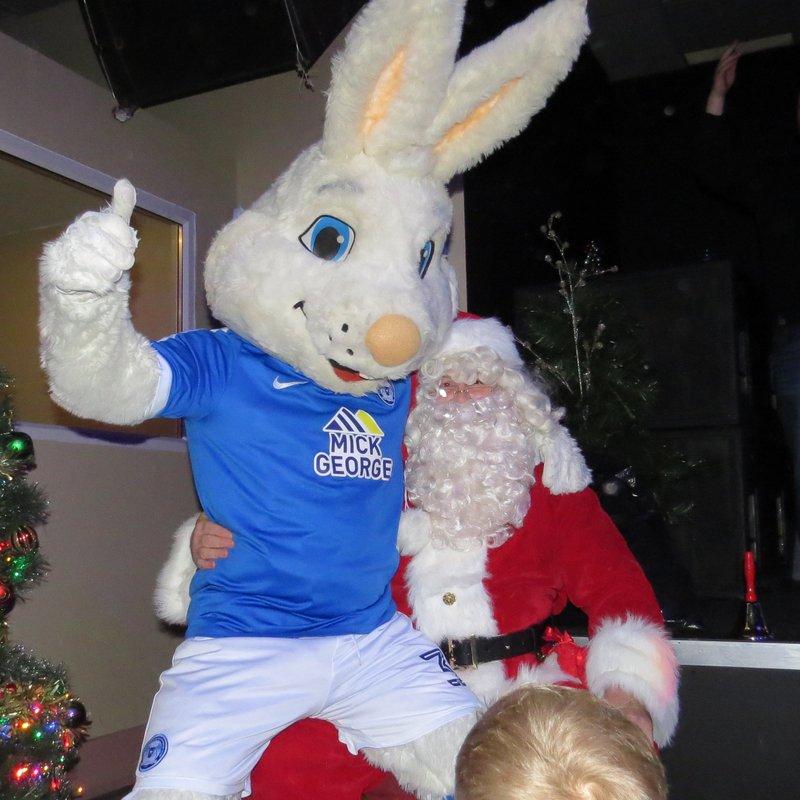 Pumas Celebrate Christmas 2016