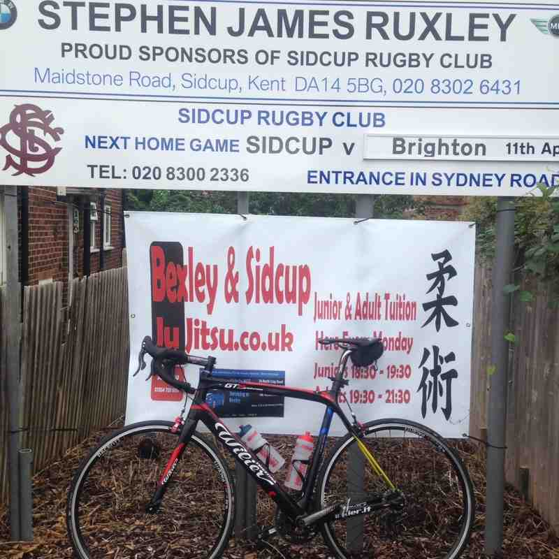 Rogers bike ride to Wingate & Finchley 05.09.15.