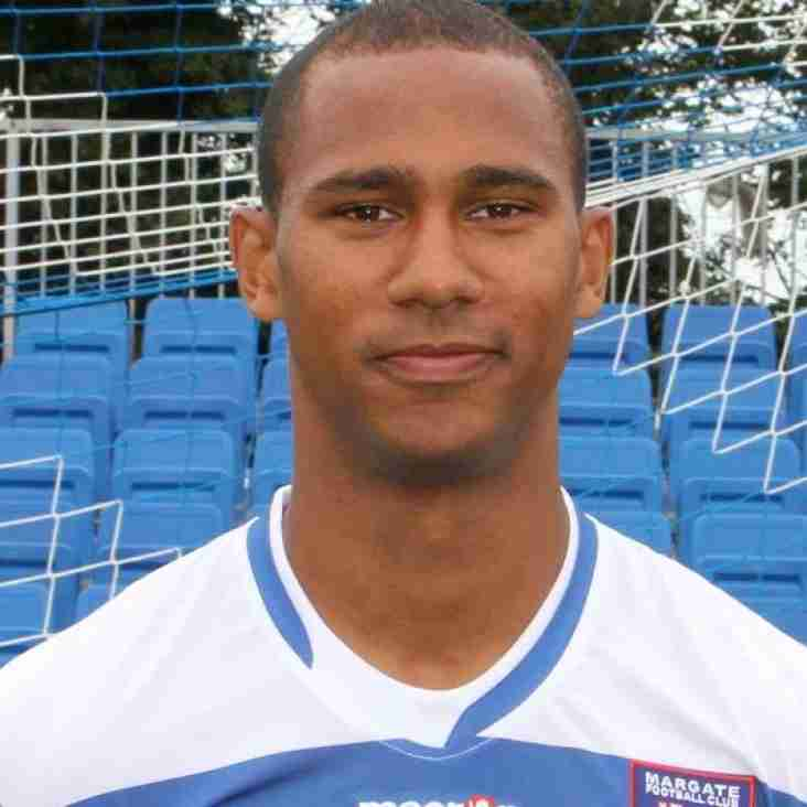 Wings defender joins Angels on a month's loan