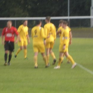 Glapwell go down bravely to league leaders