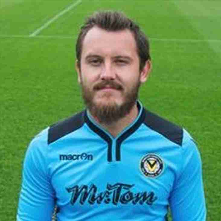 Wrexham Take Exiles Keeper on Loan