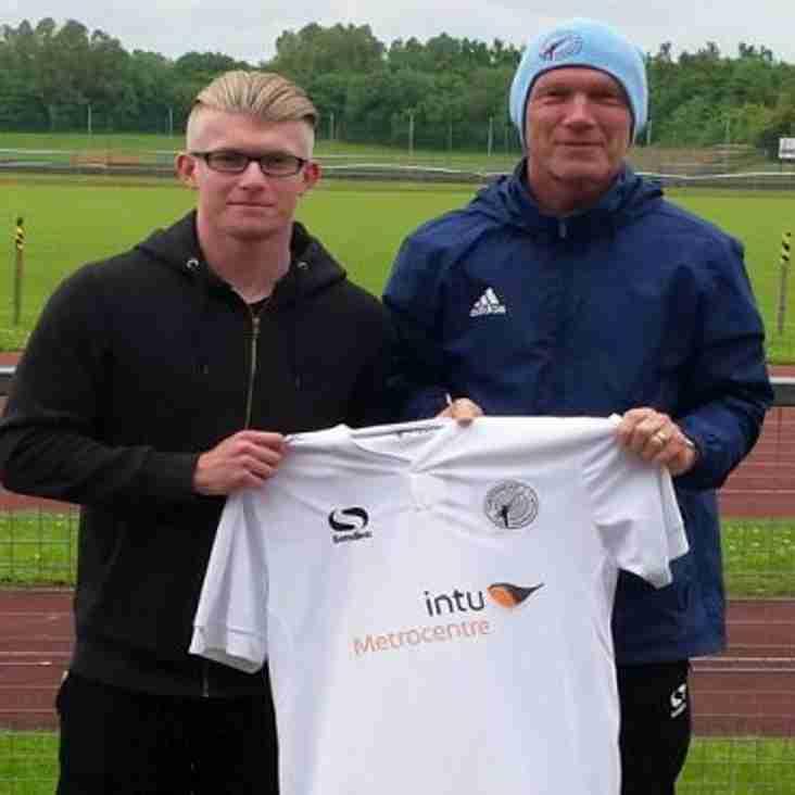 Barnsley Boy Joins Tynesiders