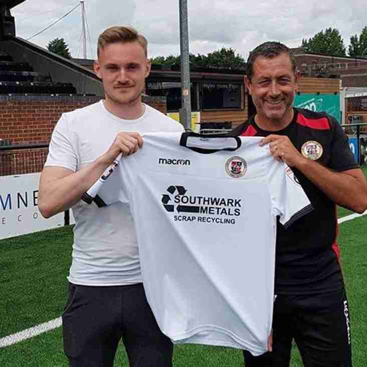 Bromley Make Late Swoop For New Midfielder