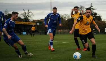 East Thurrock Bring Orient Defender Back For A Month