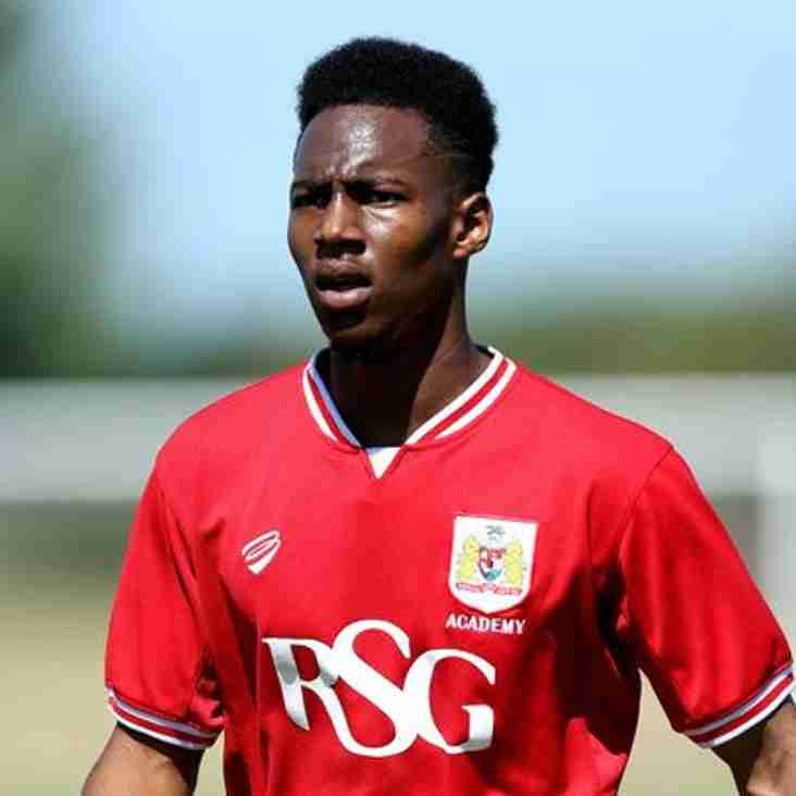 Highly-Rated Robins Youngster Loaned To Moors