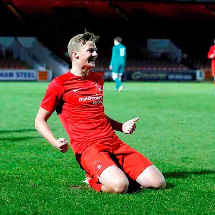 Leeds Sign Young Leyton Orient Forward