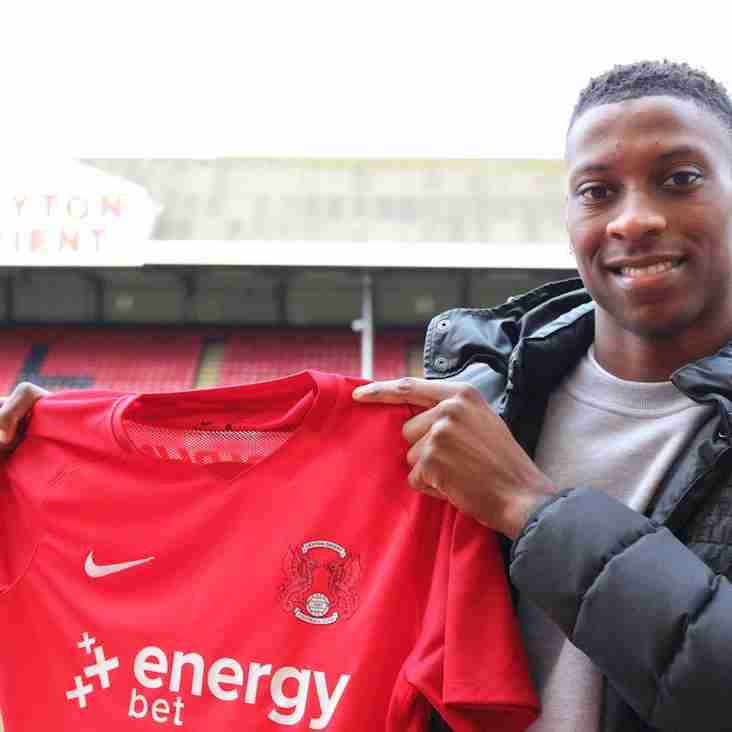 Orient Sign East Thurrock Defender - Then Loan Him Back