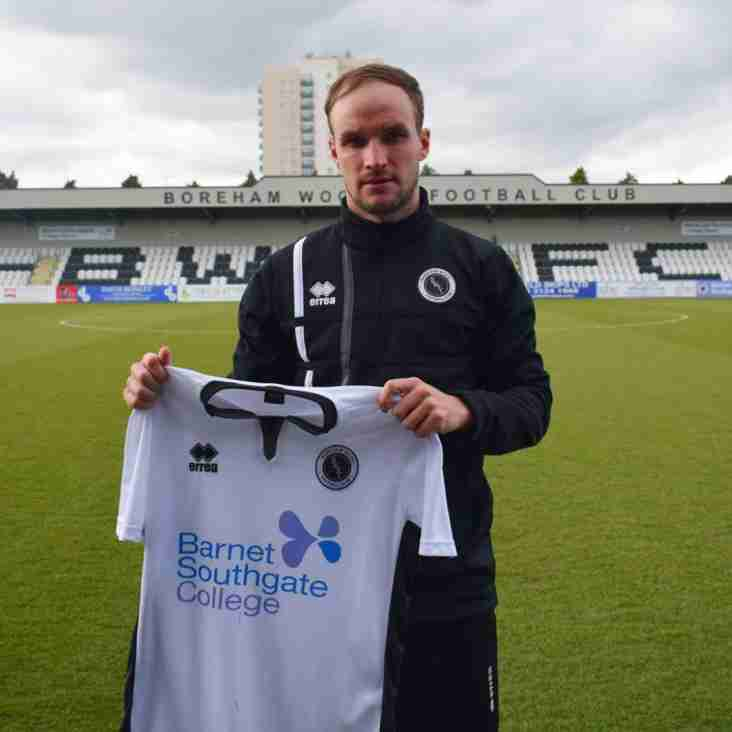 Defender Doe Makes Boreham Wood Return