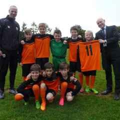 Buckton Vale School team to wear kit sponsored by Mossley AFC