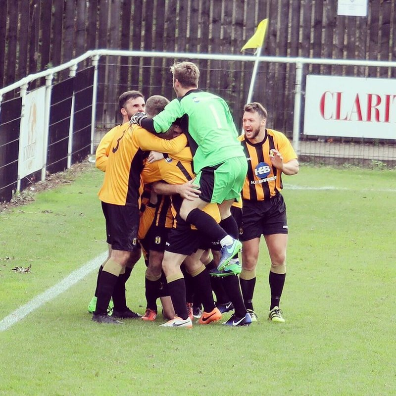 Late goal keeps Ambers Cup hopes alive