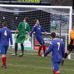 Late drama as Cooksey wins it for Ambers