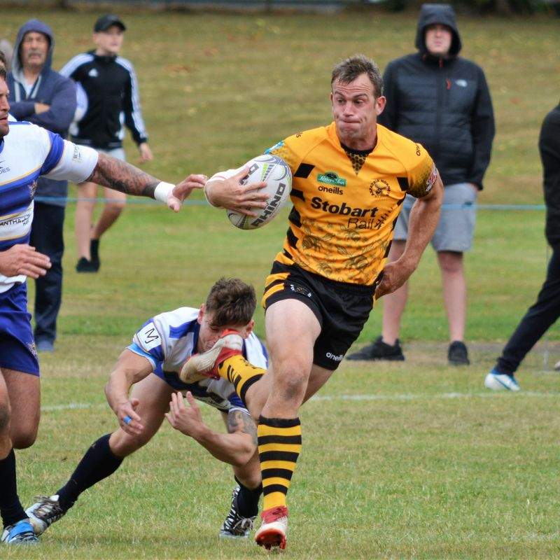 SEATON DOWN HORNETS TO CLAIM FINAL BERTH