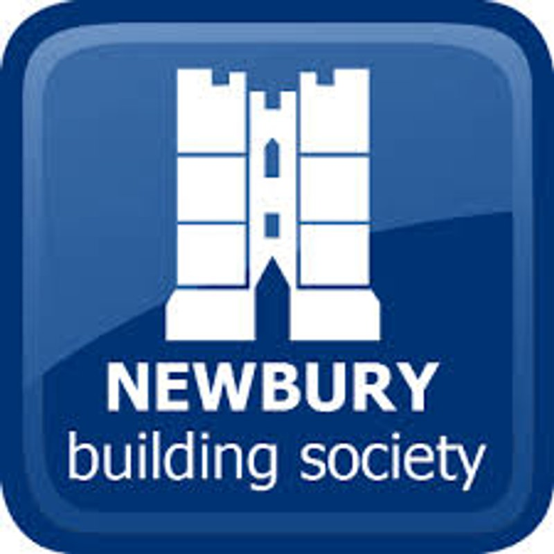 Newbury Building Society named as sponsor for Eversley & California FC U18 Royals squad
