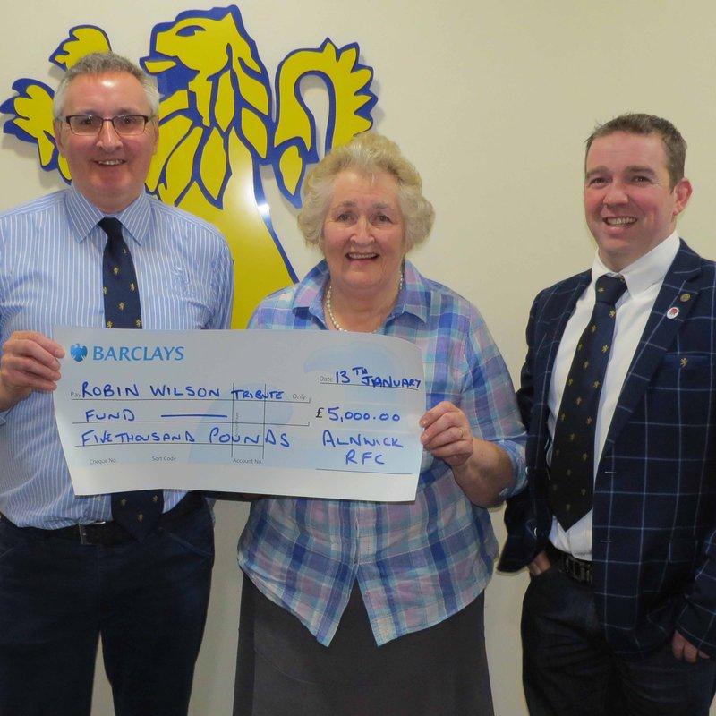 Alnwick RFC Donate £5,000 to Robin Wilson Tribute Fund for Motor Neurone Disease