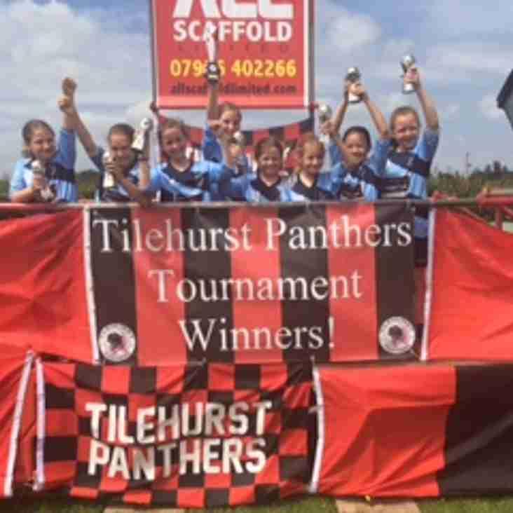 U10 Bluebirds take trophy at Tilehurst
