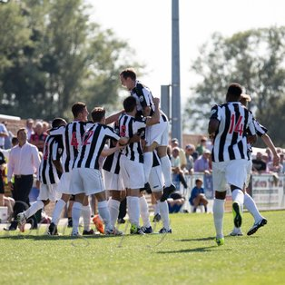 Magpies fight back for opening day win