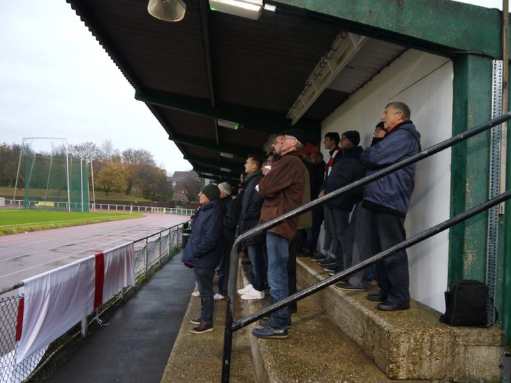 The home faithful attempt to keep dry