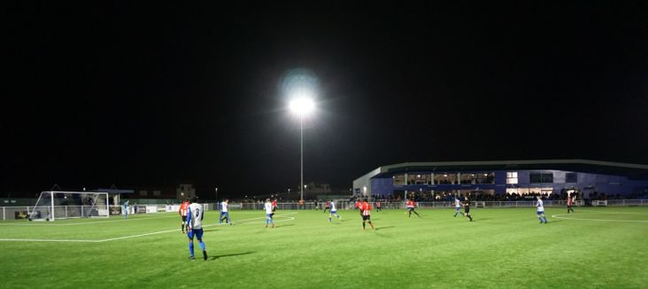 Aveley v AFC Hornchurch- image courtesy of Louis Maughan