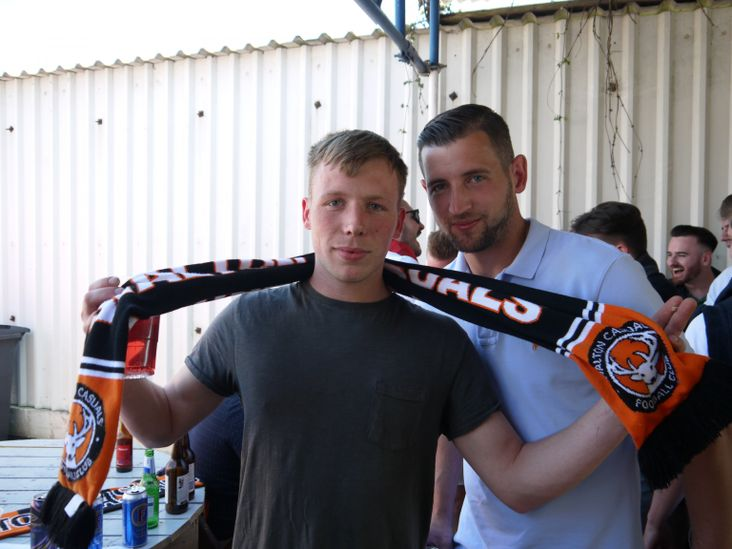 Scott and Tom of the orange Casuals
