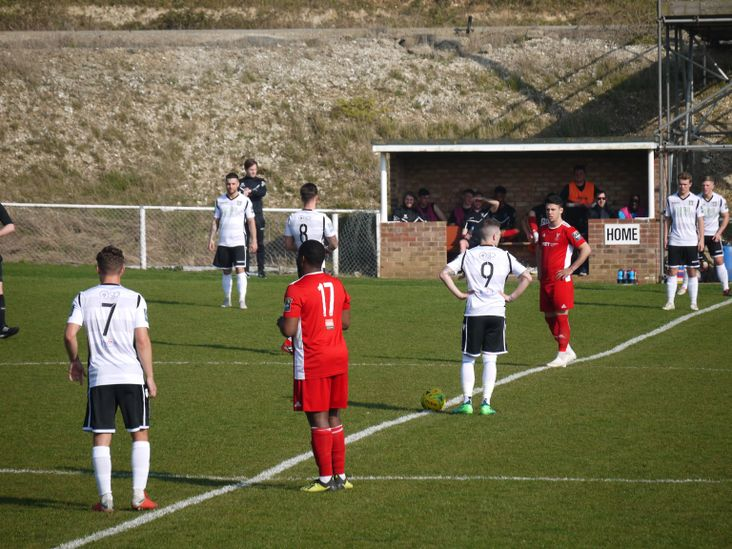 Stortford kick off, down the slope