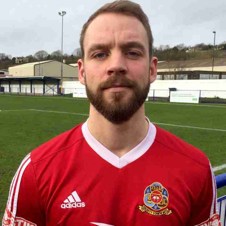 Lee Ashforth adds to the Reds squad